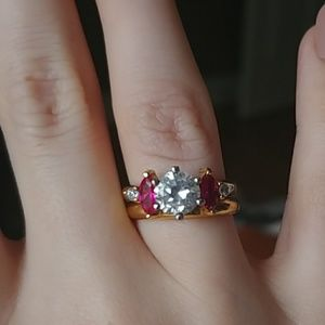 Jewelry - Gemstone ring